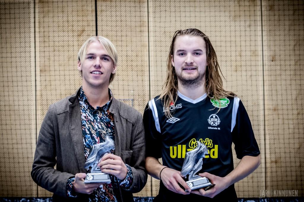 Turneringens skyttekung Carl-Oscar Andersson, Falkenbergs FF och turneringens lirare John Nilsson, Ullared IK.